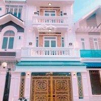 Nhà kiểu biệt thự mini khu Nam Long LH: 0907575394