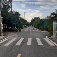 Bán gấp lô đất mặt tiền đường NTT, TT Cam Lâm LH: 0934099768