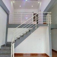Cho thuê nhà mặt tiền khu Đại Học Huế LH: 0702414411