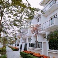 Tôi chính chủ muốn bán căn BT trong KĐT Ciputra diện tích 180m2, giá 25 tỷ LH ngay: 0983 254 298