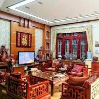 Bán biệt thự sân vườn đẹp phố Ngọc Thụy, Long Biên, 200m2x3T, chỉ 11 tỷ LH: 0912844289