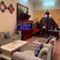 Cho thuê nguyên căn nhà Mặt Tiền Nguyễn Văn Thủ, Phường Đa Kao, Q1 Diện tích 11x23, 1 lầu có sân rộng LH: 0934127986