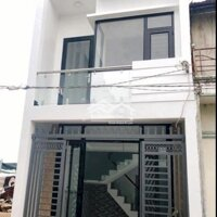 Nhà mới xây Bình Chánh 600 triệu sổ hồng sang tên LH: 0879706504