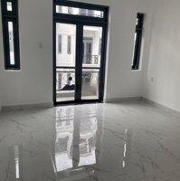 Cần bán gấp căn nhà 1 trệt 4 lầu 4 phòng ngủ rộng đường Nguyễn Oanh ND - Hà Huy Giáp LH: 0932124223