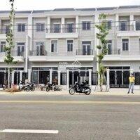 Chỉ 300tr nhận ngay nhà 3 tầng MT LG 70m, trung tâm TP Đồng Xoài LH: 0903468518