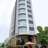 Bán khách sạn mặt tiền 3 sao sơn trà LH: 0905624572