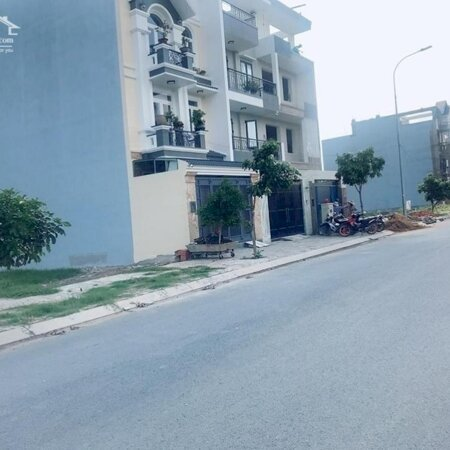 Ngộp ngân hàng bán nhanh 260m2 đất ở gần chợ, trường học, khu dân trí cao- Ảnh 1