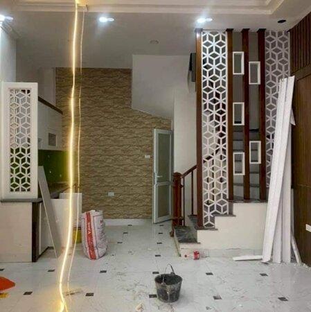 Bán nhà 4 tầng Trần Thủ Độ, Thanh Trì, Hà Nội, diện tích 41 m2 giá chỉ 2.5 tỷ, ô tô con đỗ cửa, nhà mới đẹp sẵn sàng ở ngay, liên hệ: Mr Phong - 0385599000/0931028840.- Ảnh 2