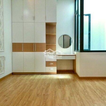 Nhà Đẹp 1 Trệt 3 Lầu Sân Để Xe Hơi Giá Rẻ Hbc Tđ- Ảnh 6