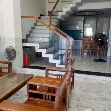 Cho thuê nhà 3 tầng mặt tiền đường Lê Văn Hiến, Ngũ Hành Sơn. Gần Cầu Tiên Sơn- Ảnh 1