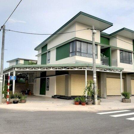 Vợ chồng chia tài sản bán nhà phố Oasis City ngay KCN Mỹ Phước, đối diện đại học QT Việt Đức- Ảnh 1