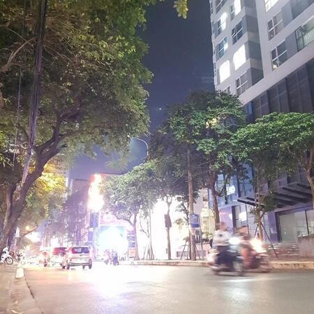 Bán nhà Nguyễn Tuân, vỉa hè rộng, ô tô. 32m, 4T, MT 4.3m, 7 tỷ- Ảnh 1