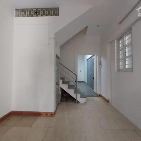Bán gấp nhà phố Nguyễn Cao, DT 35m x 3 tầng, giá 2,65 tỷ- Ảnh 1