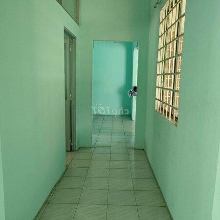 Nhà Gần Ngã 6 Thủ Dầu Một 240M 2 Phòng Ngủsân Vườn Rộng- Ảnh 3
