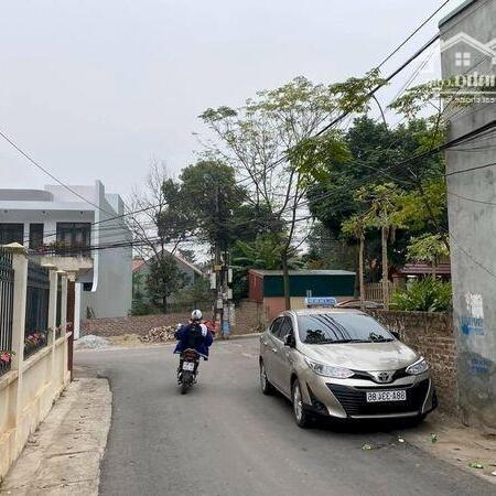 Bán 70m2 trục chính Làng Bầu - KHC 15 - Liên Bảo kinh doanh được đường 2 ô tô đi lại- Ảnh 3