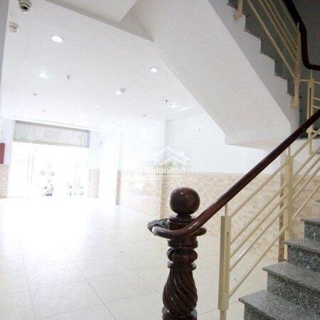 Tòa Nhà Ngay Mặt Tiền Đường Hoàng Diệu Quận 4- Ảnh 4