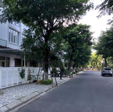 Bán lô đất biệt thự 2MT Hoàng Đức Lương 210m2, khu biển Phạm Văn Đồng gần Vincom- Ảnh 1