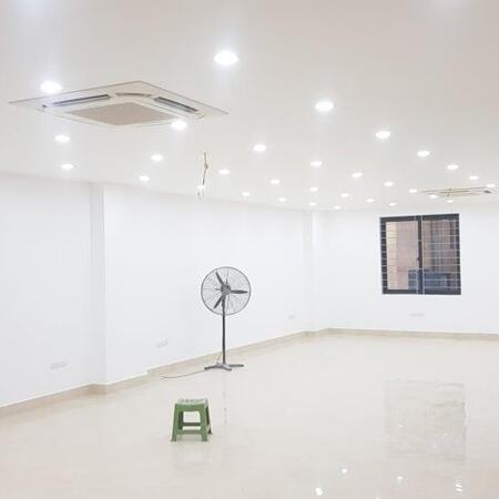 Bán nhà Khuất Duy Tiến, Thanh Xuân, 170m2, giá: 67 tỷ, 9 tầng, mt: 6.5m, lô góc, cho thuê 180 triệu/ tháng.- Ảnh 3