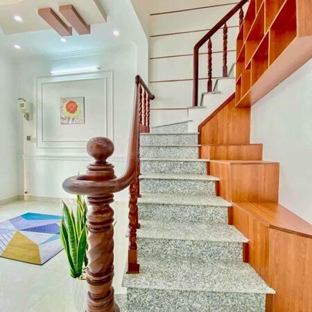 Bán nhà mới tuyệt đẹp 3 lầu hẻm 1 Lý Tự Trọng kế công viên Lưu Hữu Phước- Ảnh 1
