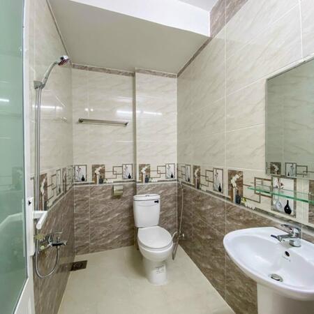 Bán nhà mới tuyệt đẹp 3 lầu hẻm 1 Lý Tự Trọng kế công viên Lưu Hữu Phước- Ảnh 2
