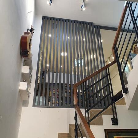 Bán nhà đẹp tặng nội thất 2.5tỷ, 5x11, 5 tầng HXH đẹp, khu chợ Ông Địa giá 7.4 tỷ- Ảnh 3