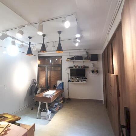Bán nhà đẹp tặng nội thất 2.5tỷ, 5x11, 5 tầng HXH đẹp, khu chợ Ông Địa giá 7.4 tỷ- Ảnh 2
