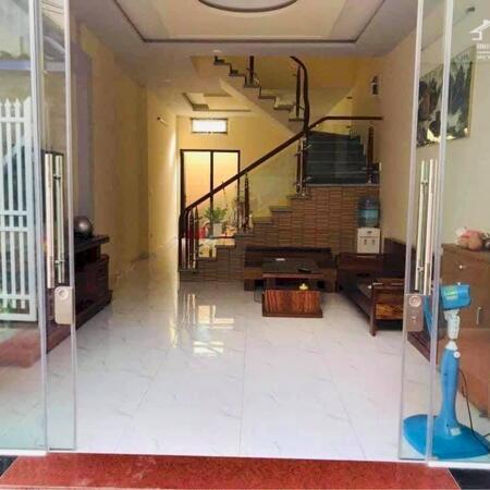Cần bán nhà 3 tầng diện tích 50m Cam Lộ, Hùng Vương, giá 1,6 tỷ LH 0326,355,580- Ảnh 1