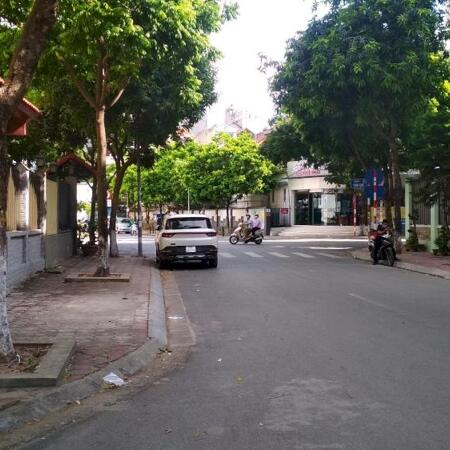 Bán Biệt thự khu đô thị mới Dịch Vọng, Cầu Giấy 300m2 chỉ 62tỷ- Ảnh 4
