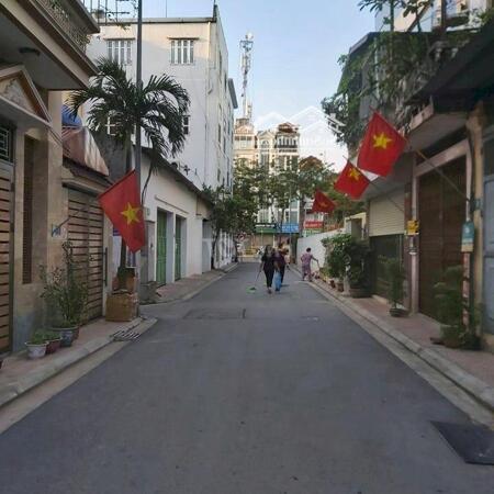 Cần bán gấp nhà tại ngõ 548/30 Nguyễn Văn Cừ Long Biên, 189m2, ô tô vào nhà- Ảnh 2