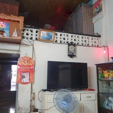 Bán Nhà Đường Nguyễn Trãi , Q1 , Đối Diện Bộ Công An , DT 65m2 , Giá Siêu Rẻ- Ảnh 1