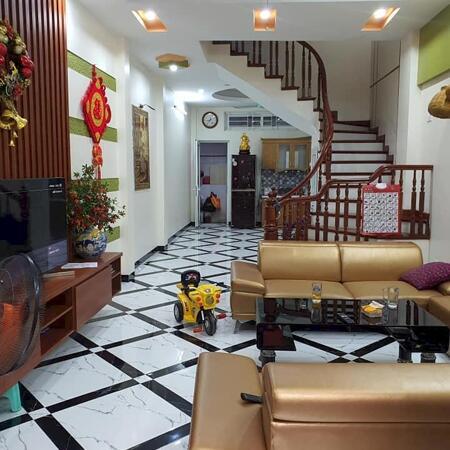 Nhà Phạm Văn Đồng 39m2 x 5T x MT4.1 - Gần phố - Nở hậu - giá 3.35 tỷ- Ảnh 1