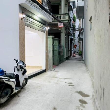 Bán nhà Bát Khối 30mx5T – Ô tô đỗ cửa, Mới xây. Đi bộ ra Aeon. Giá tuyệt vời 2.8 tỷ.- Ảnh 1
