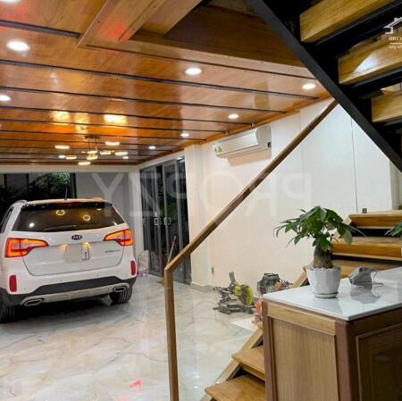 Bán Nhà Nở Hậu Mỡi Xây 237m2 5PN Trần Hưng Đạo Quận 5 - Xe hơi đậu trong nhà chỉ 17 tỷ TL- Ảnh 1