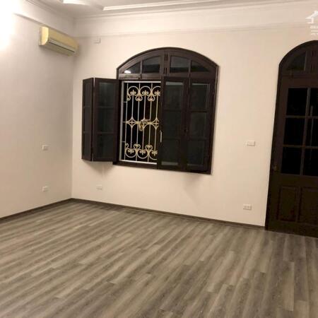 Cho thuê nhà Biệt Thự ô tô đỗ cửa phố Đội Cấn 100m x 4 tầng, MT 6m, 20 triệu/tháng, LH 0818011234- Ảnh 8