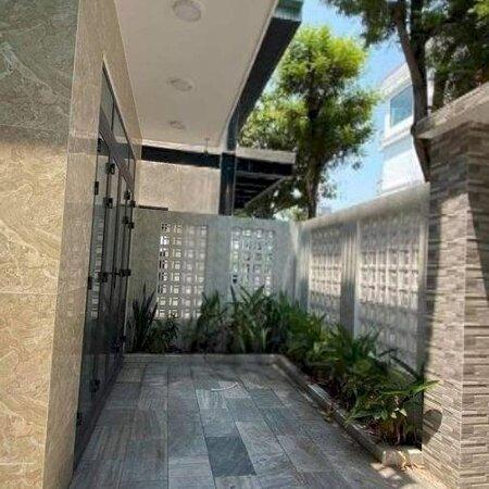 Cho Thuê Nhà Đẹp 3 Tầng Mới Xây Có Sân Vườn Đỗ Oto Cực Đẹp Khu Mỹ An Ngay Cầu Trần Thị Lý- Ảnh 2