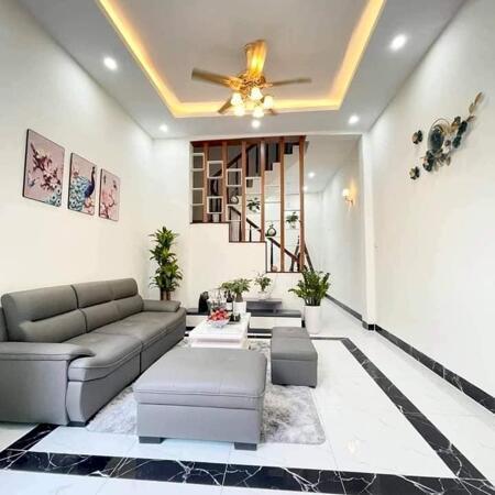 Bán nhà phố Thanh Lân - Hoàng Mai - ô tô đỗ cửa - DT 33m2*5 tầng, MT4.3m giá chỉ 2.x tỷ.- Ảnh 1