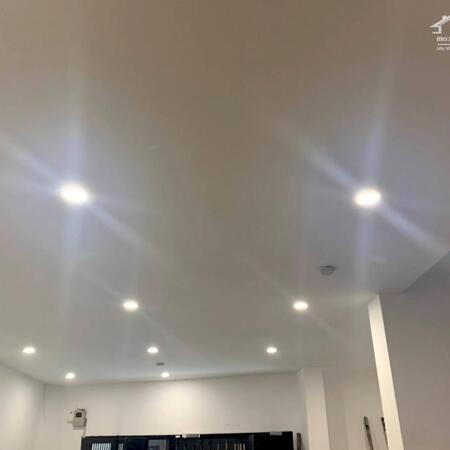 Quý Dzị Ơi Nhà Đẹp Ngô Quyền Hà Đông Dt 33m 5 tầng Mt 3.6m Nhỉnh 2 Tỷ- Ảnh 1