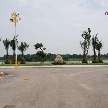 Đường nội khu hướng ra sân Golf