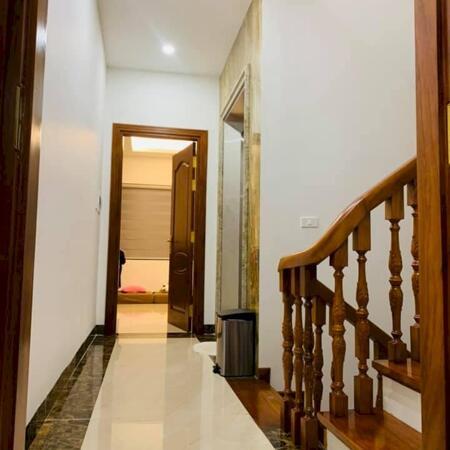 Bán nhà Phố Hoàng Cầu, Đống Đa, view hồ, thang máy, ô tô.S: 110m2, 6 tầng , giá 24tỷ- Ảnh 1