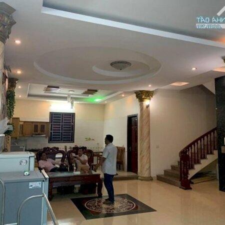 Cho Thuê Nhà Gần Vincom Gồm 16 Phòng Ngủ Full Nội Thất Có Thang Máy Giá 48 Triệu/Tháng- Ảnh 1