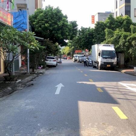 Chị gái cần bán gấp mảnh đất nằm trong khu tái định cư Thượng Thanh, Long Biên- Ảnh 2