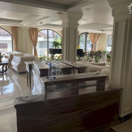 Bán cắt lỗ cơ hội  khách sạn 3 mặt tiền- view cực đẹp ngay tại trung tâm sapa- Ảnh 5